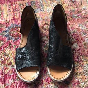 Fp sandals
